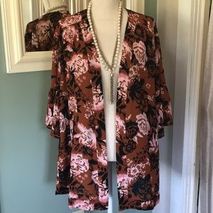 NWT Motherhood Maternity sheer cover-up size S/M